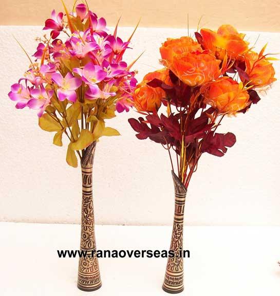 BRASS TRADITIONAL FLOWER VASE