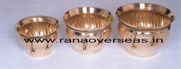 BrassMetalPlanter3714